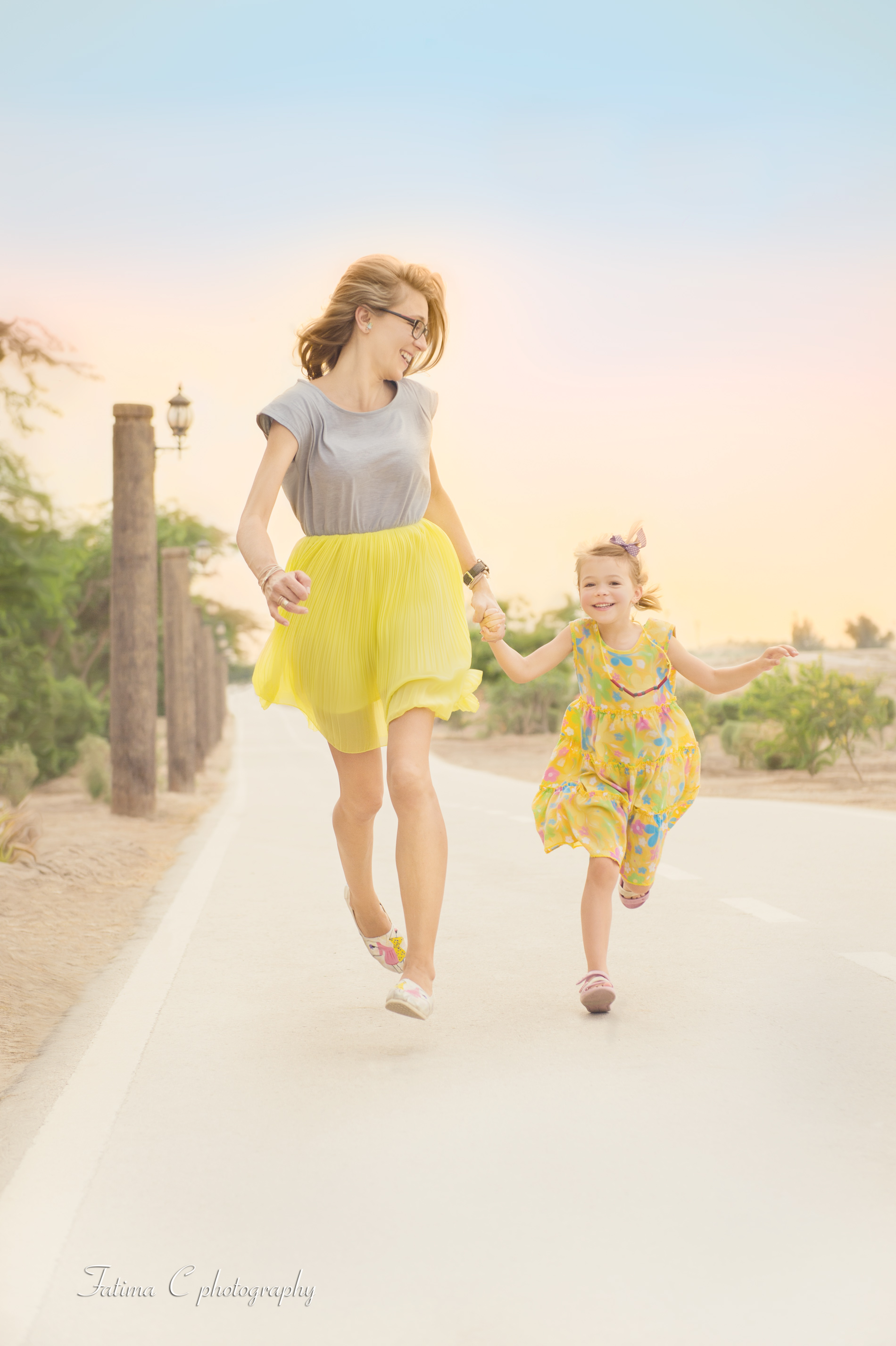 mom and daughter photography inspiration